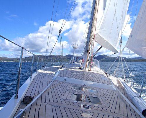 yacht-802319_1920-495x400